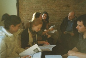 Participants explores text in group discussions