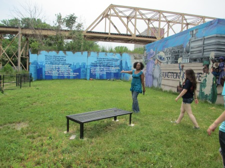 While driving around in Englewood, Sonya pulled off onto the side of the road to show us this beautiful mural detailing the migration of African  Americans from southern states to northern cities like Chicago.