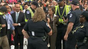 Rep. Schakowsky arrested (10/8/13)