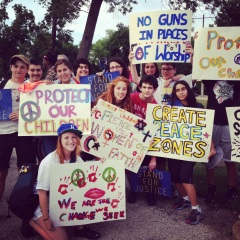 Or Tzedek summer participants at anti-violence rally at Garfield Park