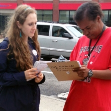 Ellory registers a new voter in Uptown as part of her four day internship with ONE Northside. Or Tzedek participants worked on ONE Northside's campaign to mobilize new and unlikely voters to vote for increasing the minimum wage to $10. 65/hr.